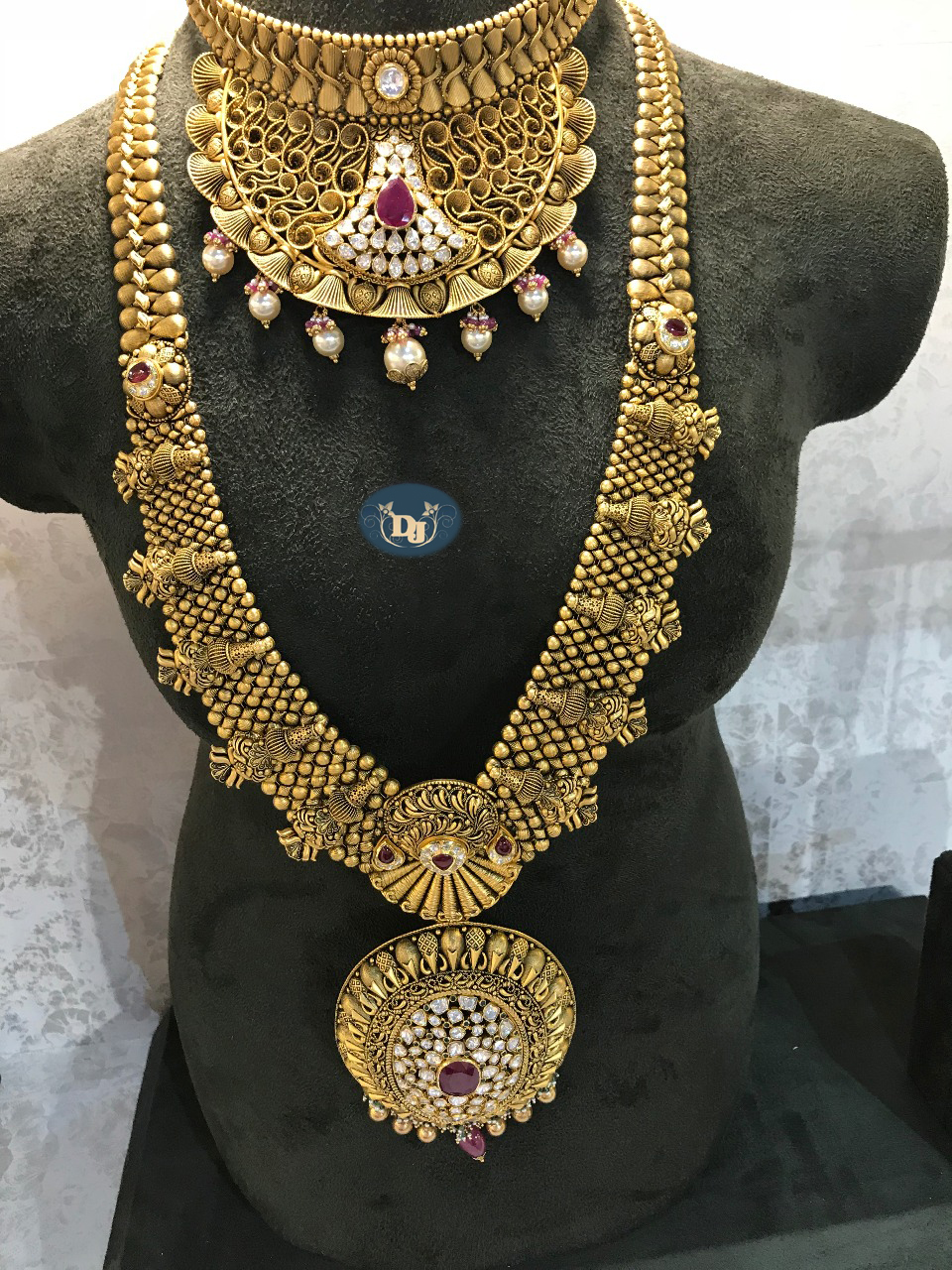 Latest Gold Necklace Sets Design Collection